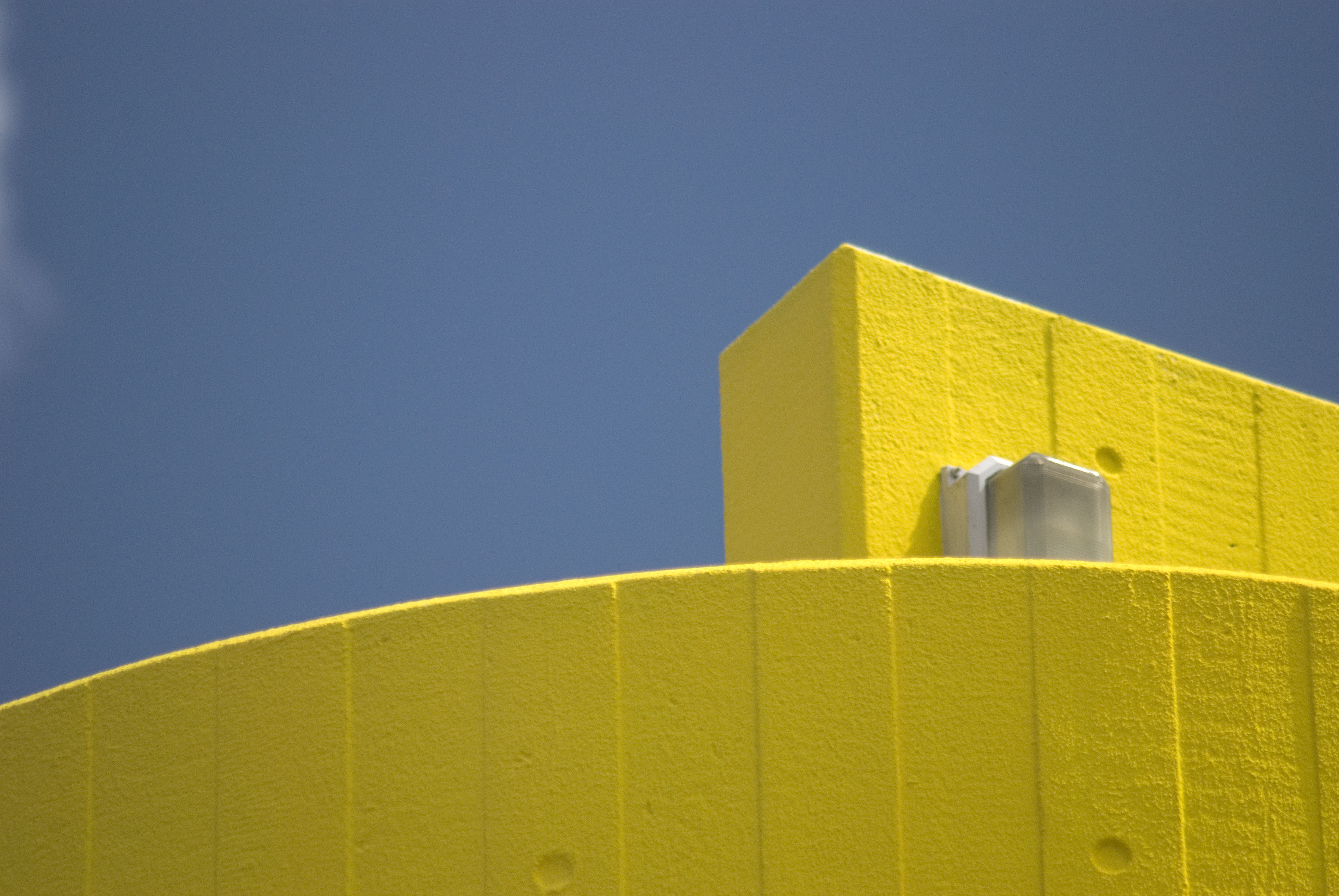 blue and yellow walls - photo #14